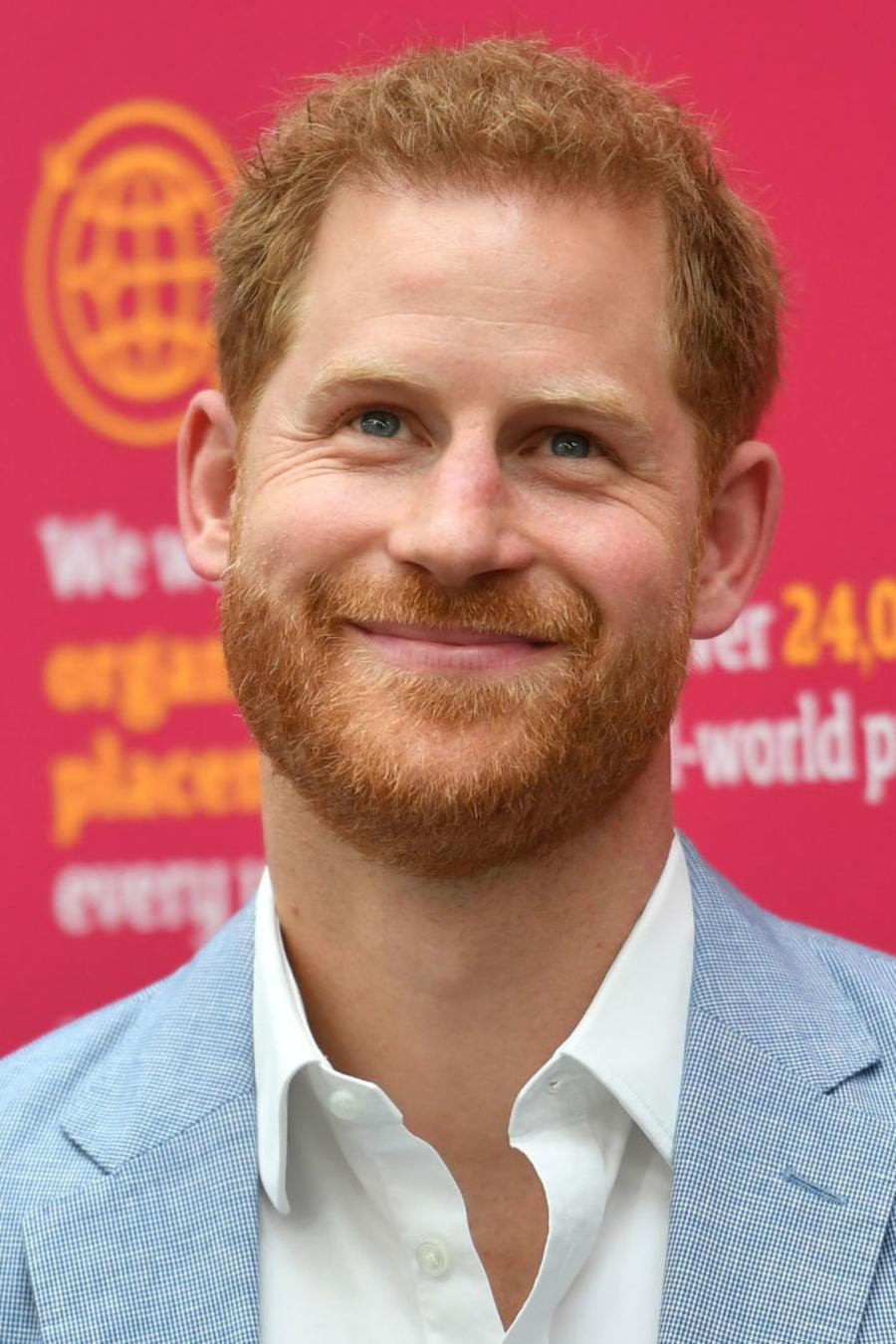 Príncipe Harry visita al hospital de Scheffield