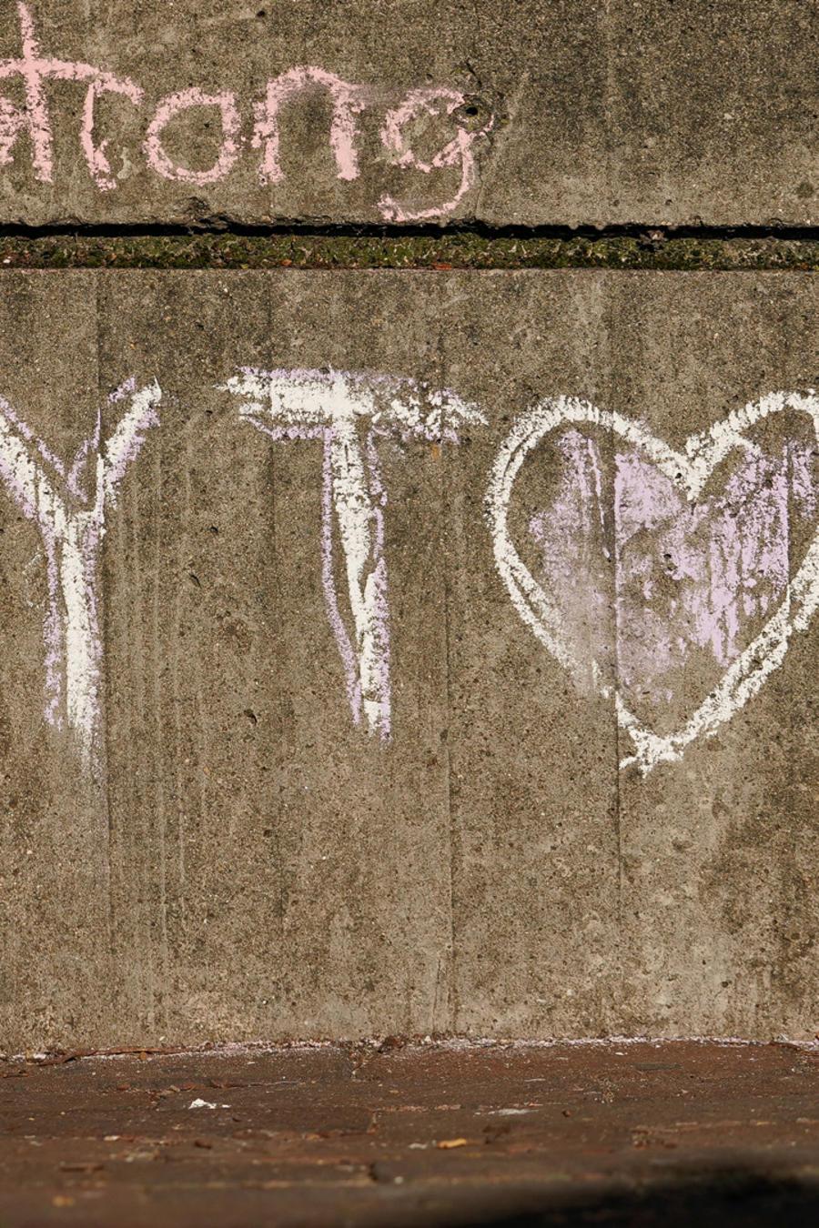 Pintada en una pared que hace referencia a la masacre en Dayton, Ohio