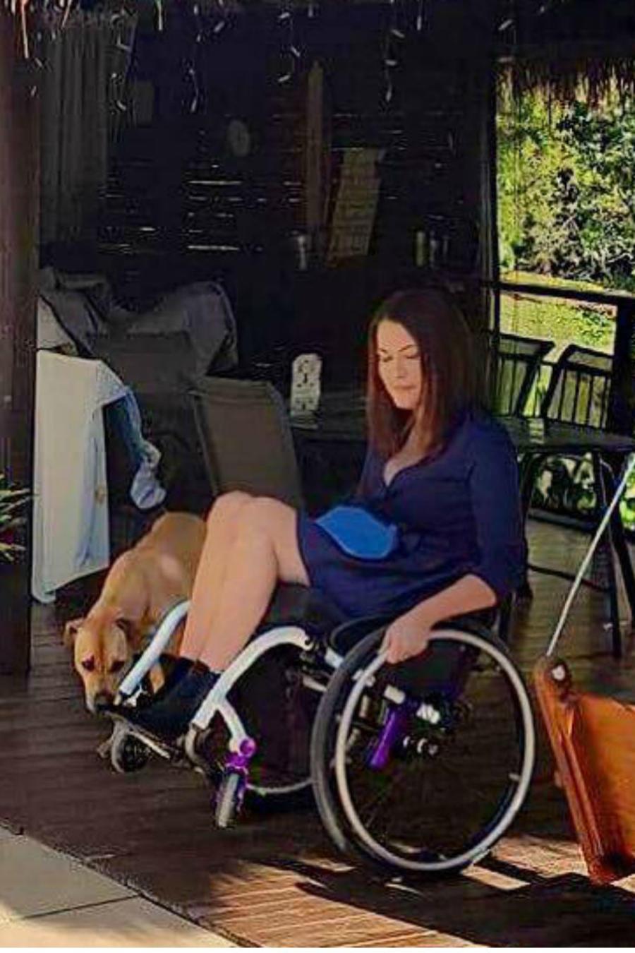 Mujer paralítica