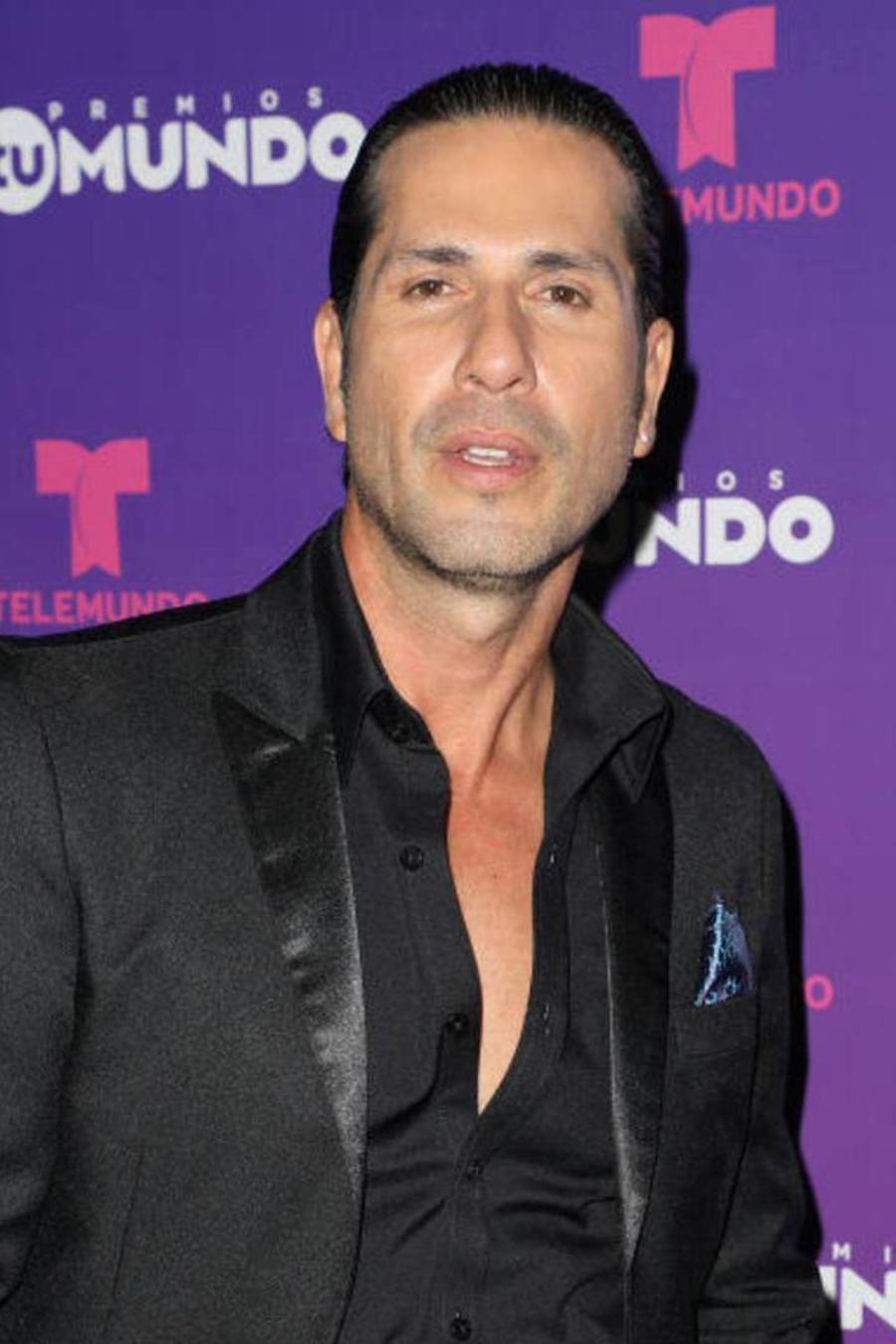 Gregorio Pernía en Premios Tu Mundo 2017