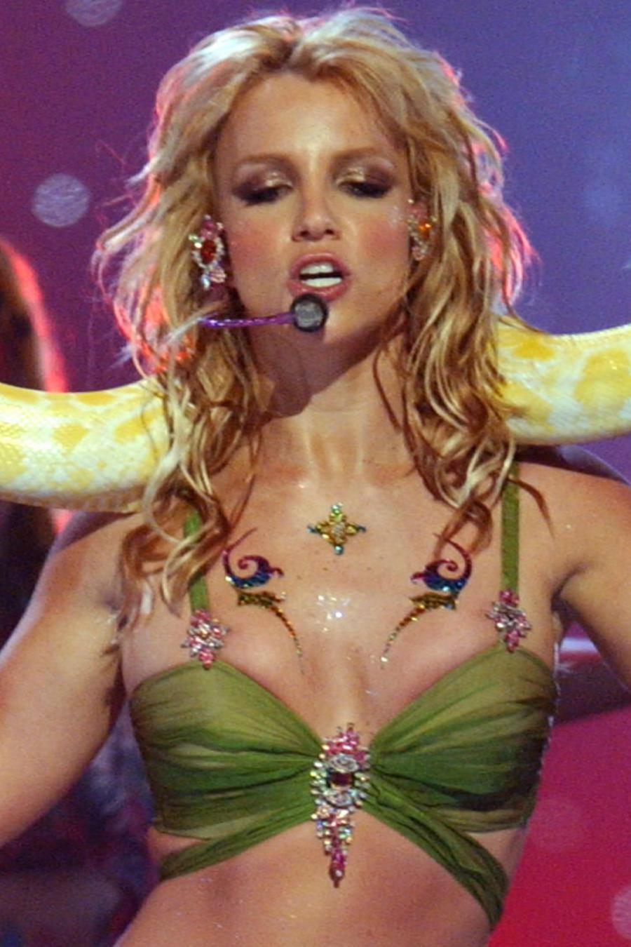 Britney Spears en VMAs 2001