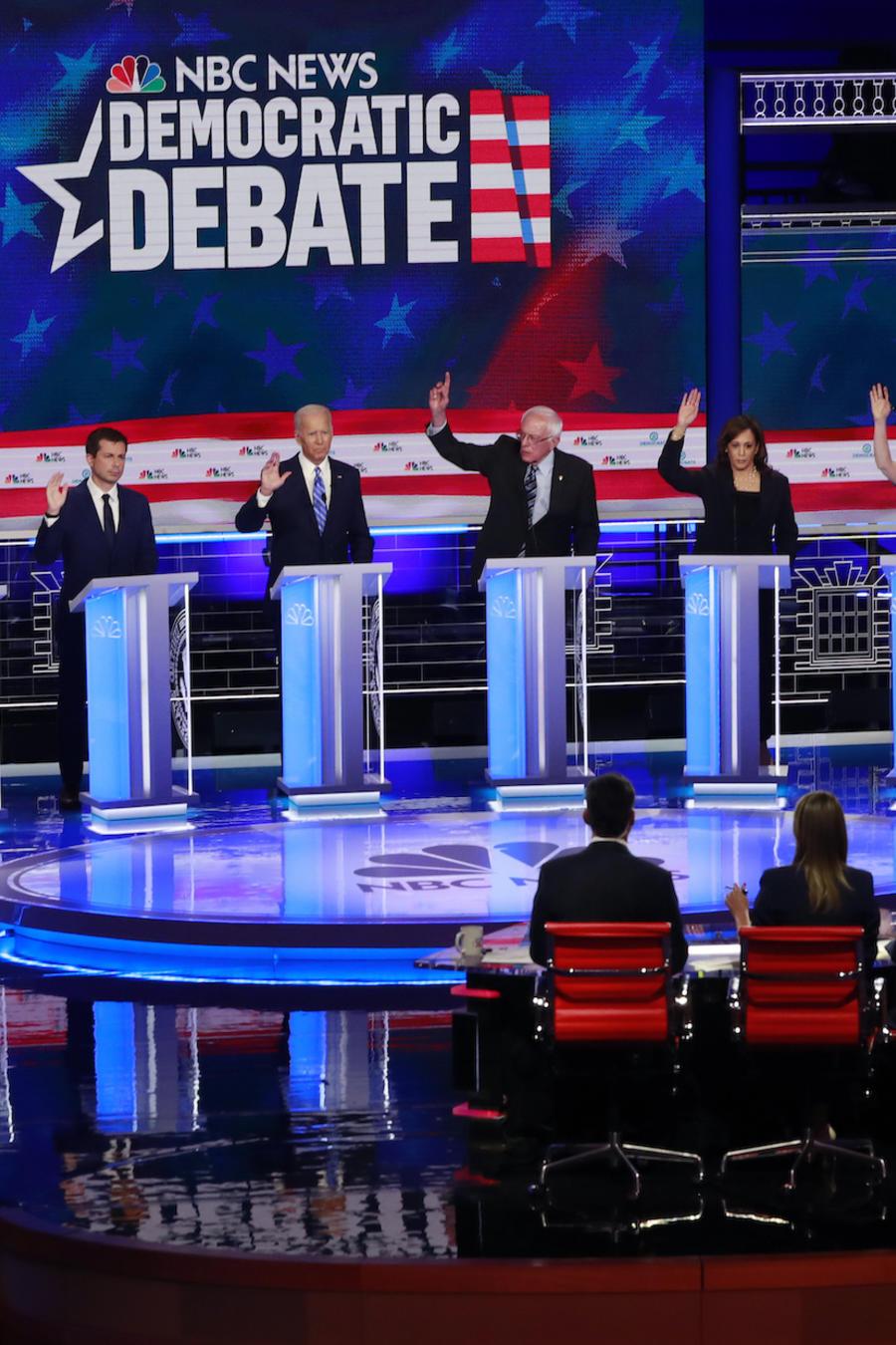Imagen de archivo del debate presidencial demócrata presentado por las cadenas NBC y Telemundo.