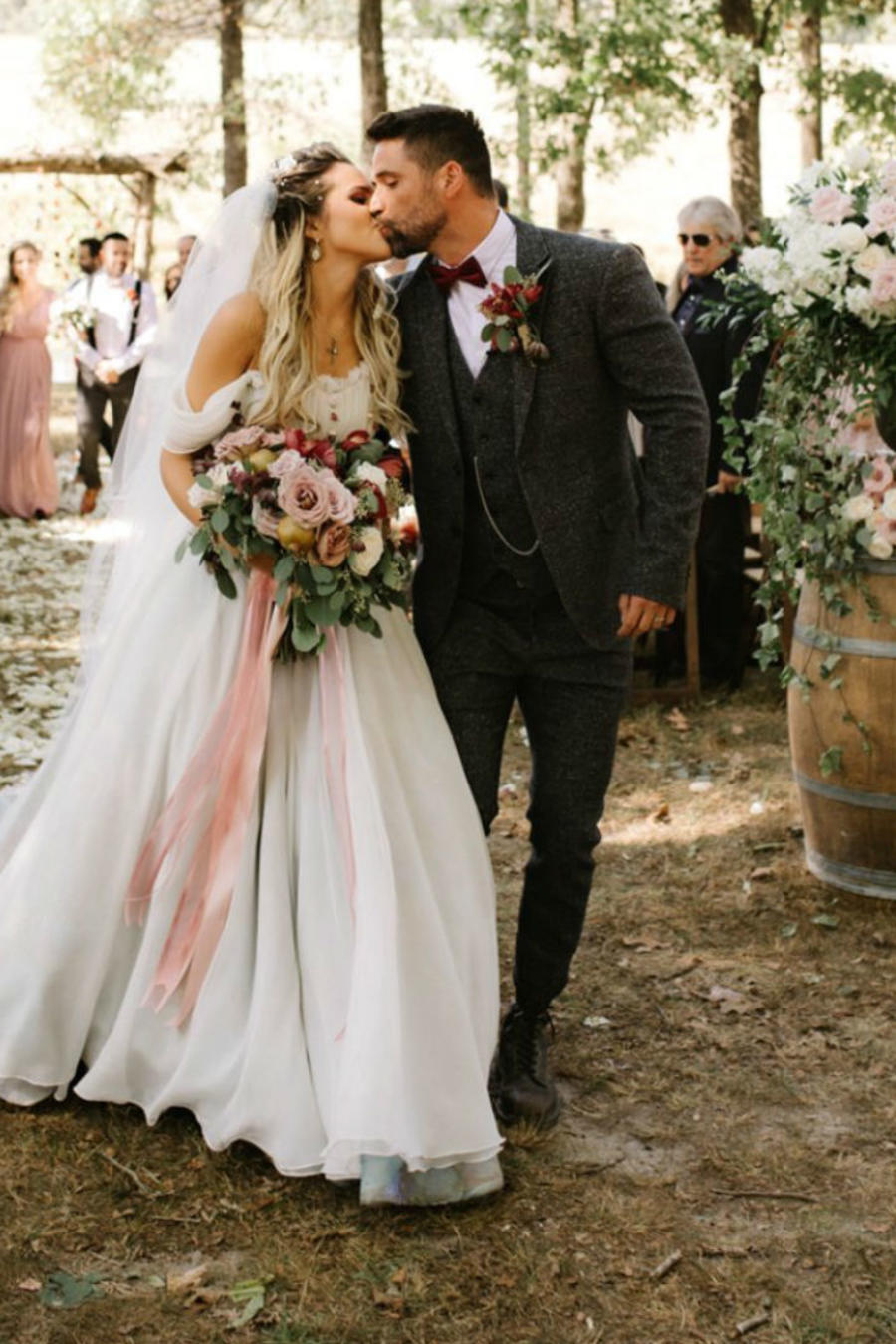 Matías Novoa e Isabella Castillo en su boda