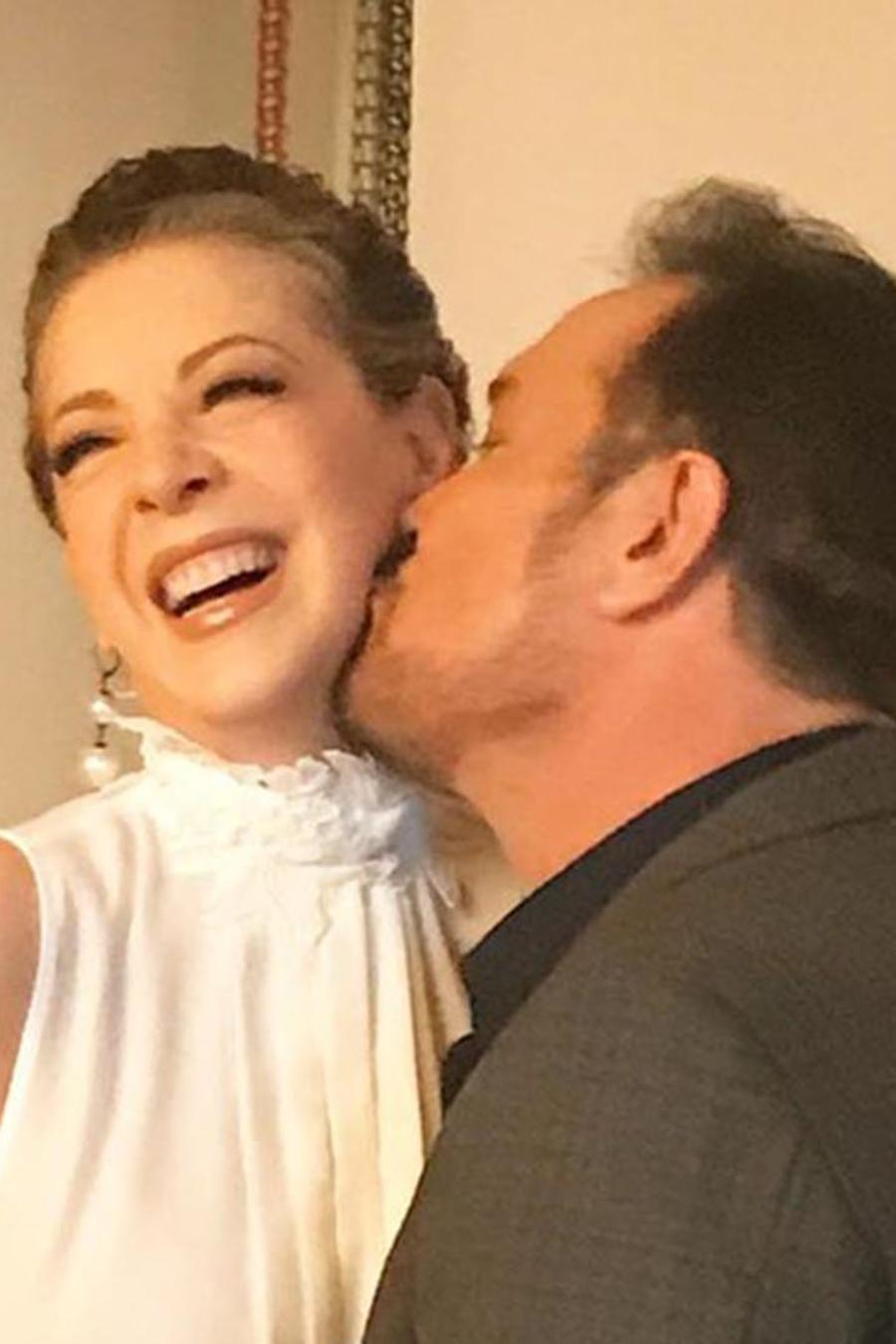 Arturo Peniche y Edith Gonzaléz en sesion de fotos