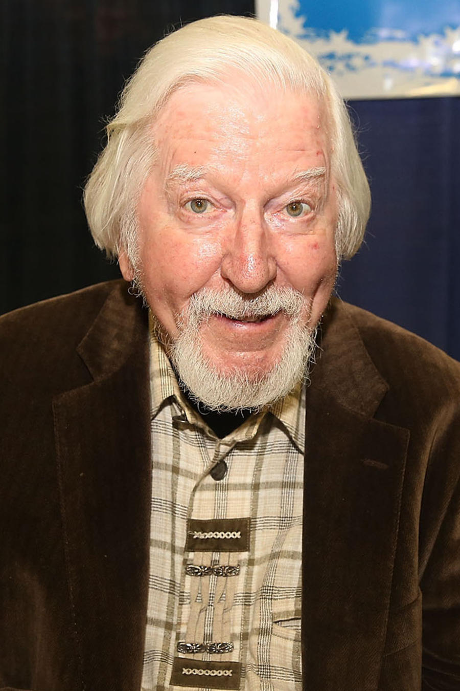 Sesame Street's Big Bird Puppeteer Caroll Spinney Diest at 85