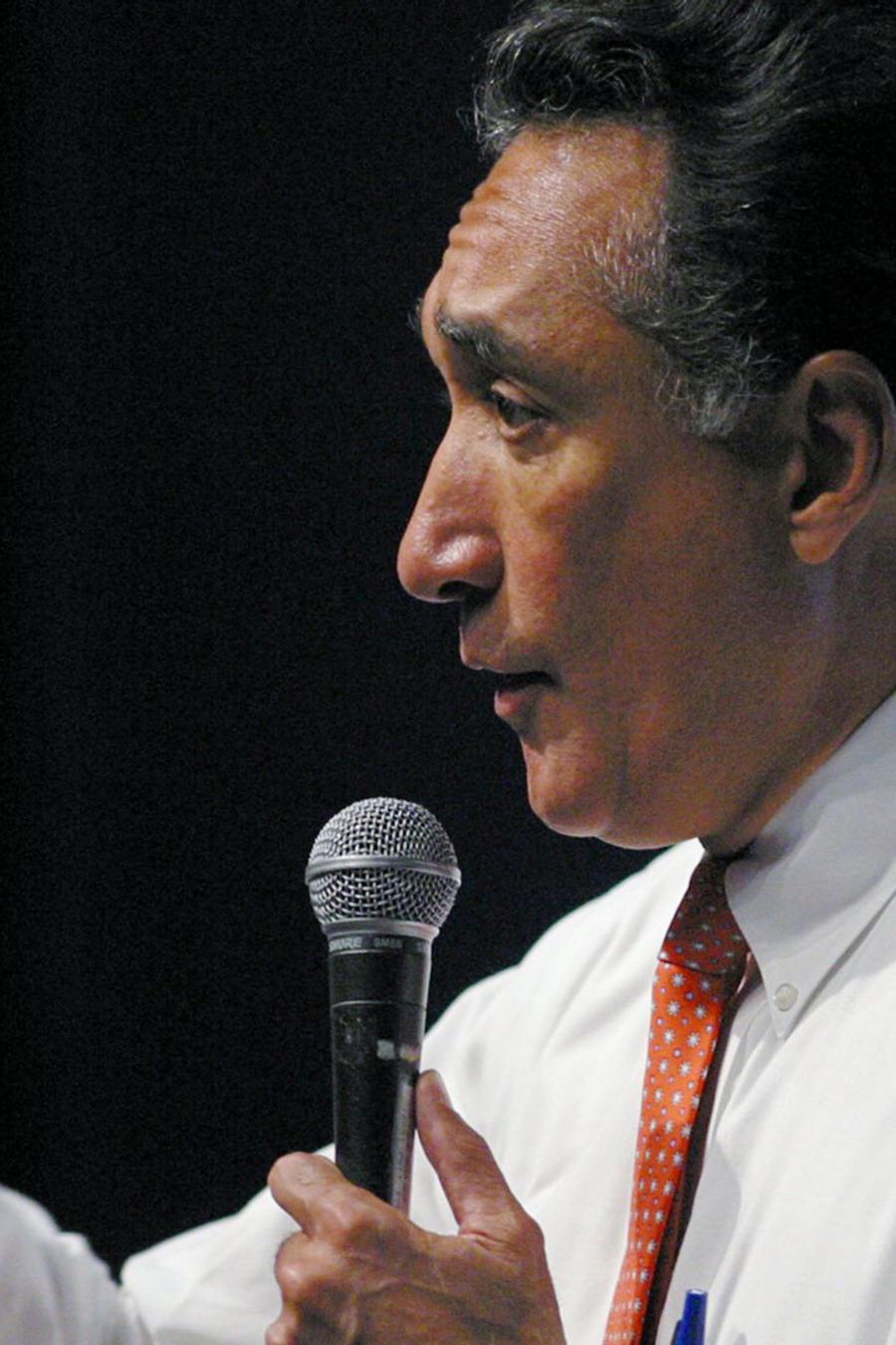 Henry Cisneros en una imagen de archivo.