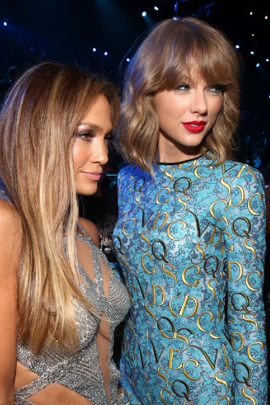 """JLo, Taylor Swift y más artistas se unen a """"One World: Together At Home"""""""