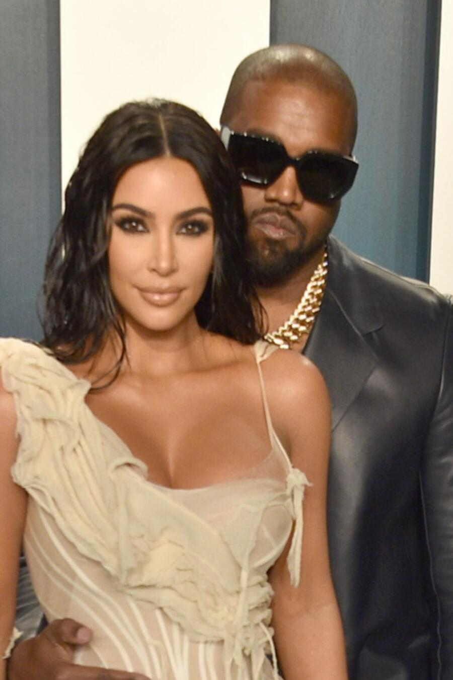 Kim Kardashian y Kanye West, en la Vanity Fair Oscar's Party 2020