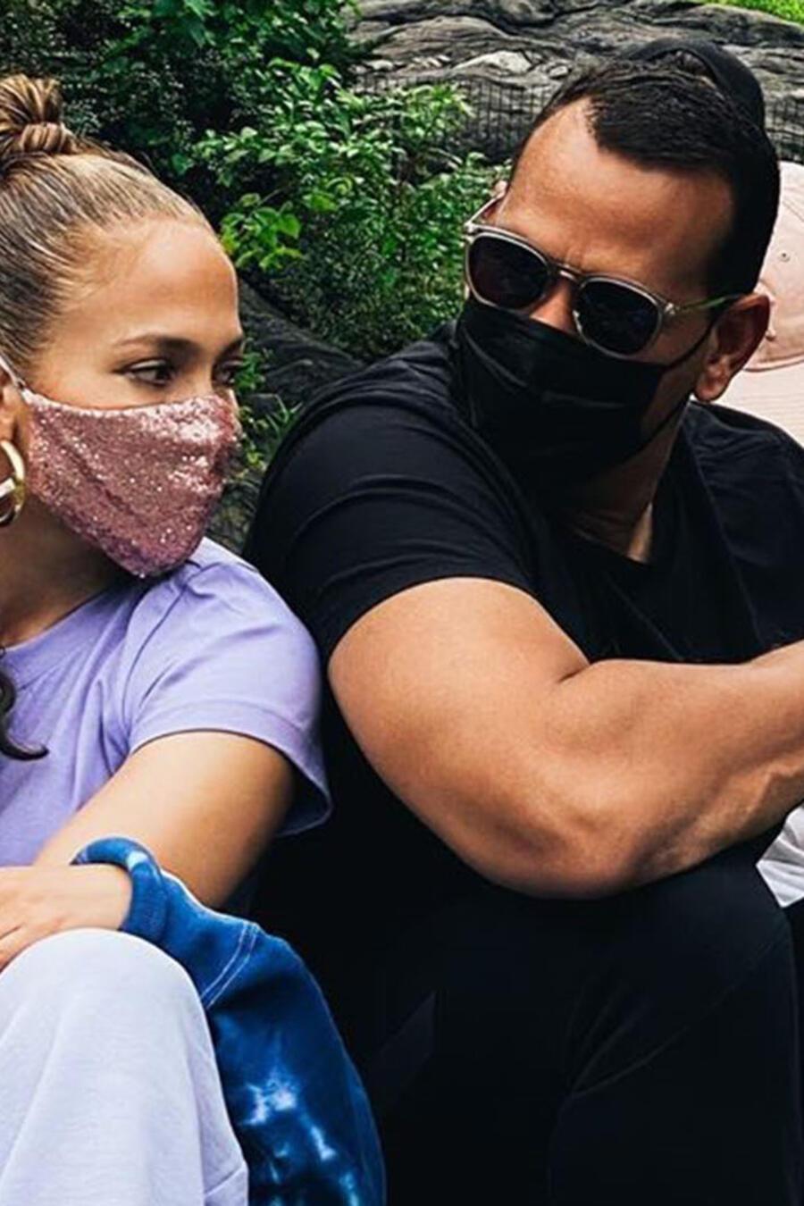 Alex Rodriguez y Jennifer Lopez en Central Park