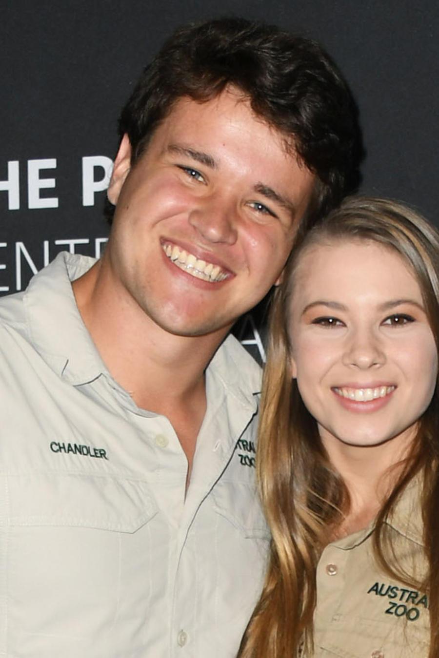 Chandler Powell y Bindi Irwin en 2019