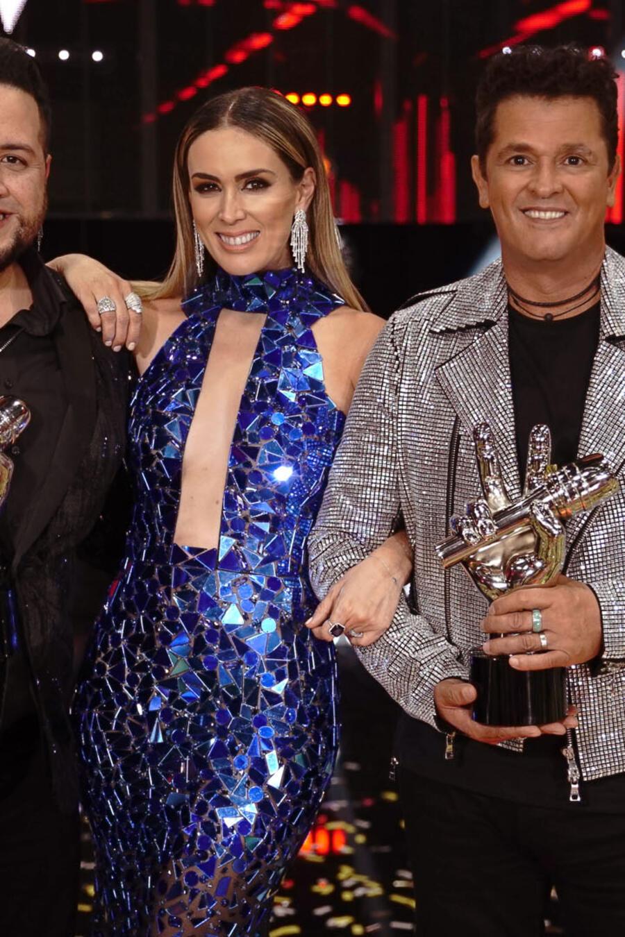 Sammy Colon, Jacqueline Bracamontes y Carlos Vives en la gran final de La Voz US 2
