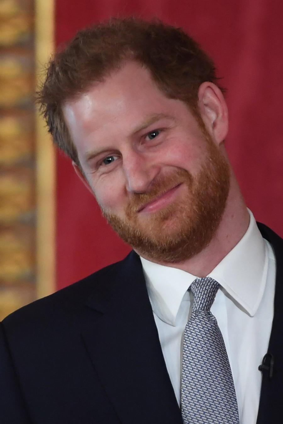 El príncipe Harry realiza donativo en su cumpleaños