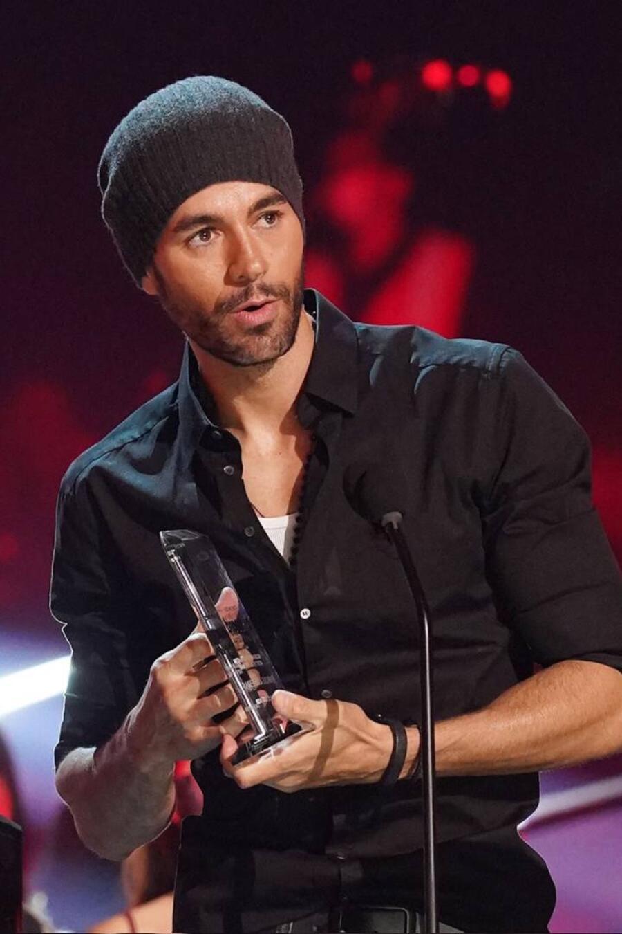 Enrique Iglesias recibe el premio 'Billboard Top Latin of all Time' en los Premios Billboard 2020