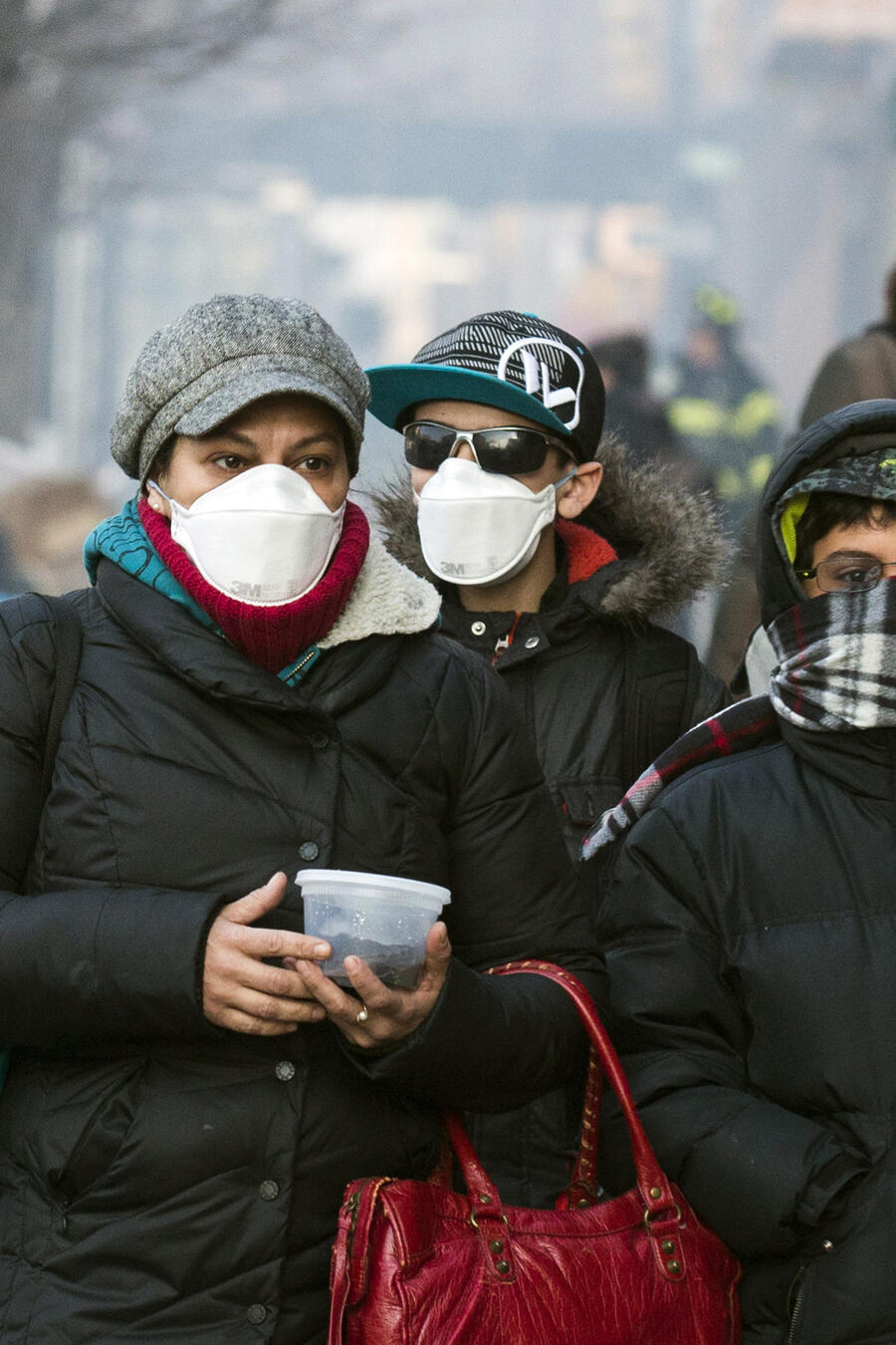Hasta ahora, los CDC sólo habían recomendado usar mascarilla en espacios abiertos y al salir del hogar.