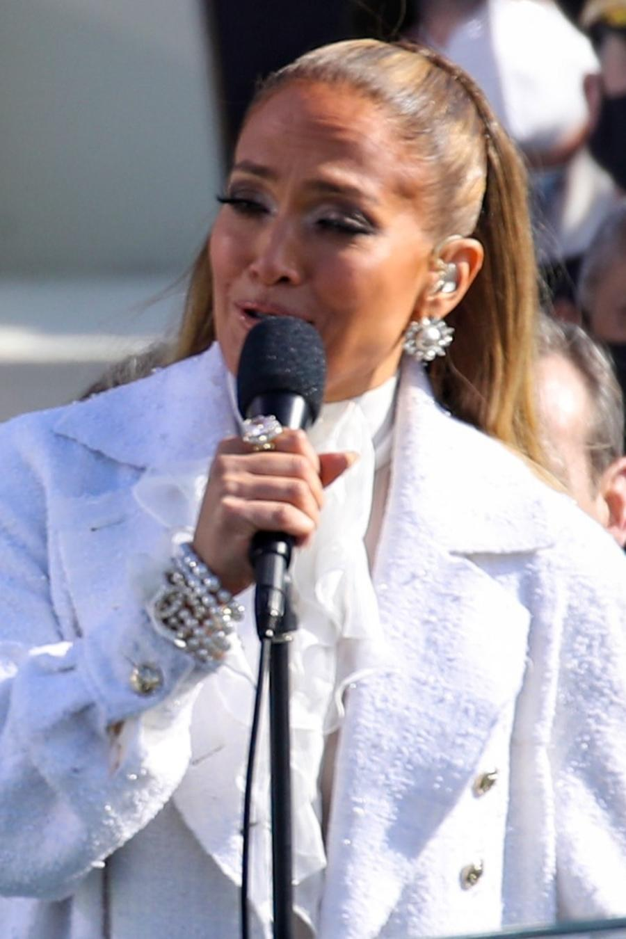 Jennifer Lopez cantando en la inauguración presidencial de Joe Biden