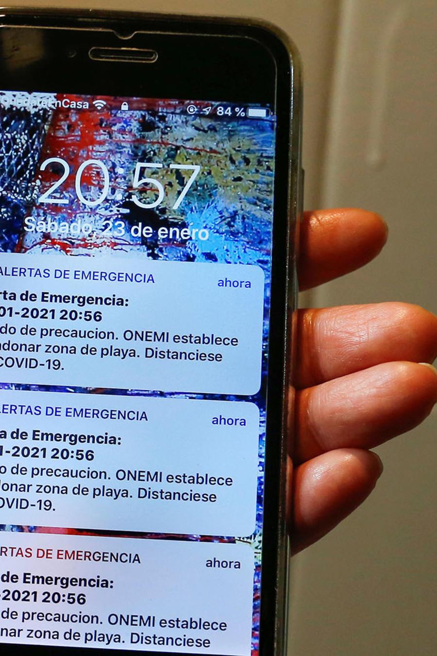 Un mensaje de alerta de tsunami fue enviado por error por la oficina nacional de emergencia, ONEMI, luego de un sismo en el territorio antártico chileno.