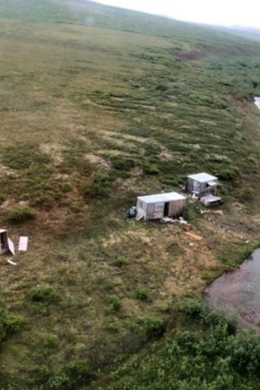 El campamento minero de un hombre en Kodiak, Alaska, que fue atacado por un oso