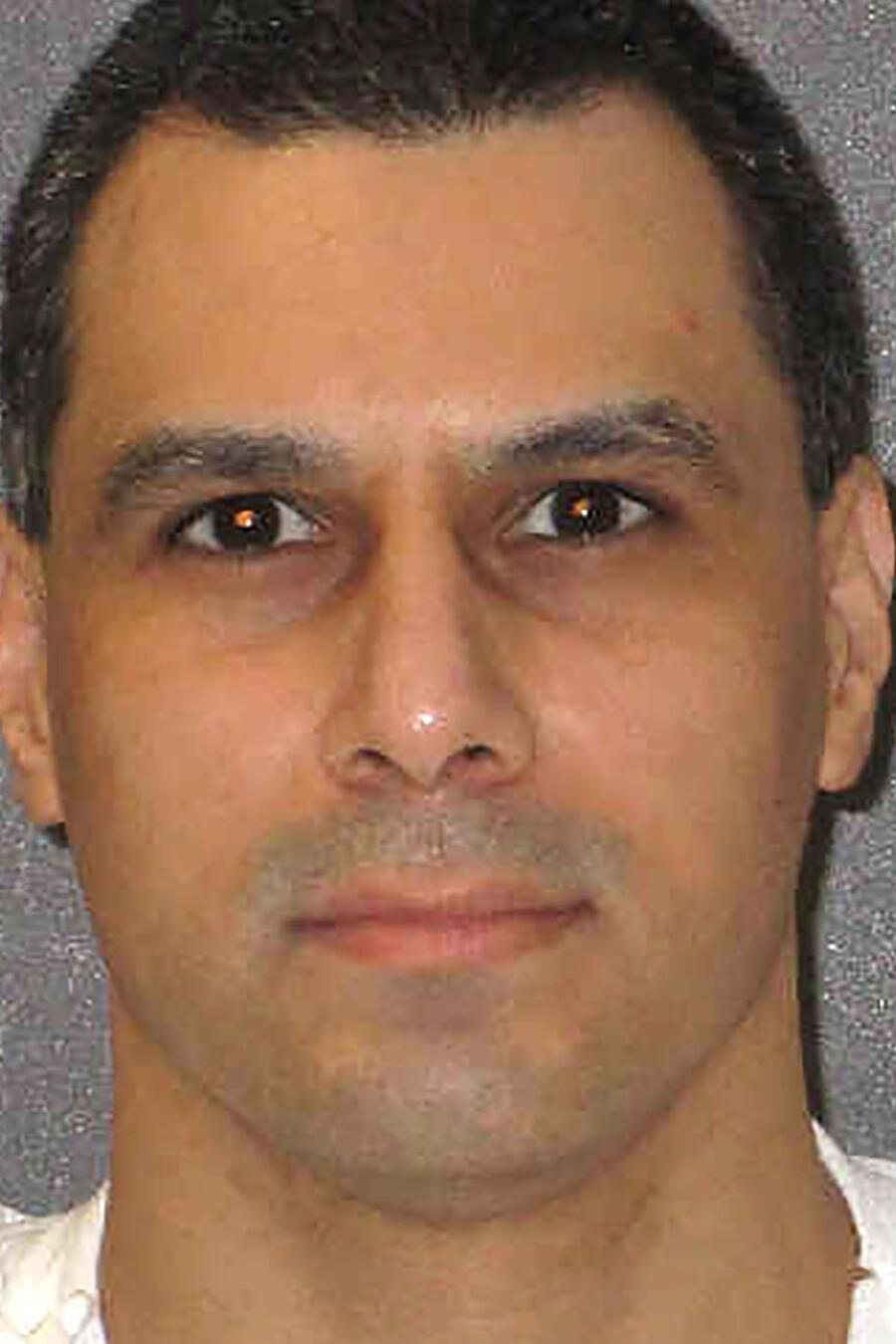 Gutiérrez iba a ser ejecutado el 27 de octubre por apuñalar mortalmente a una mujer de 85 años de Brownsville en 1998.