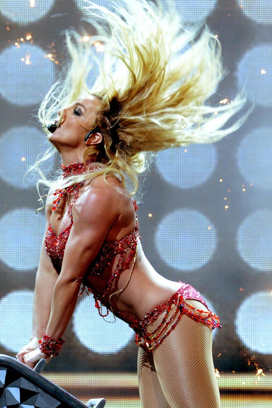 Britney Spears Performance Billboard 2016