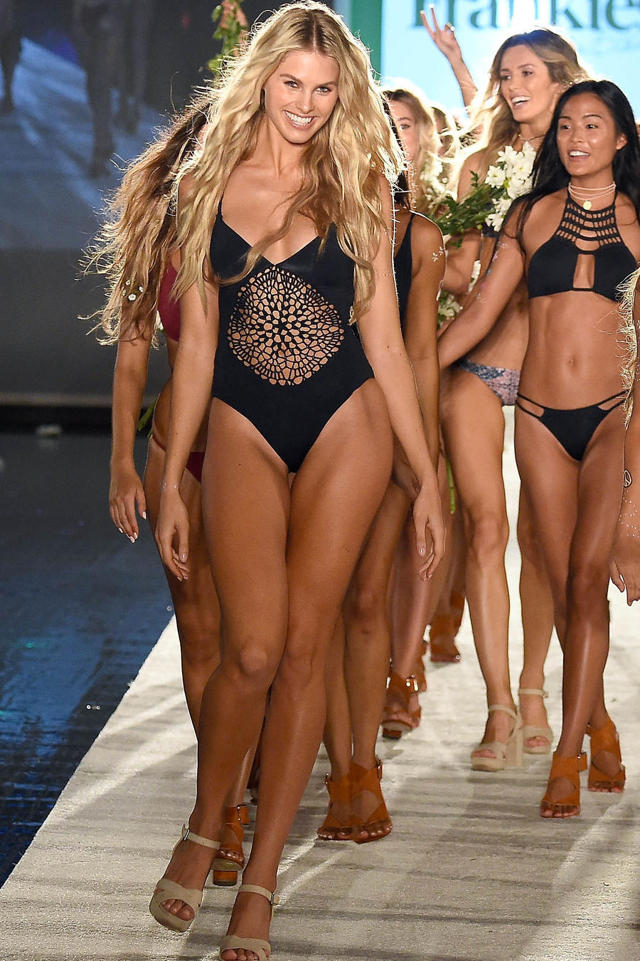 Modelos en el desfile de TRESemme at Frankie's Bikinis 2017 Collection en el  Miami Swim Week