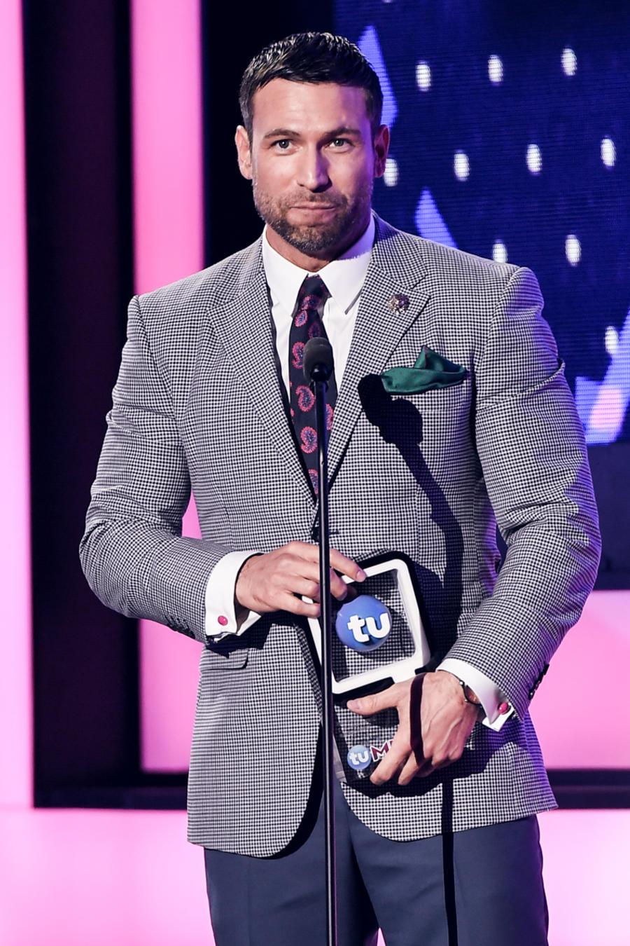 Rafael Amaya en Premios Tu Mundo 2016