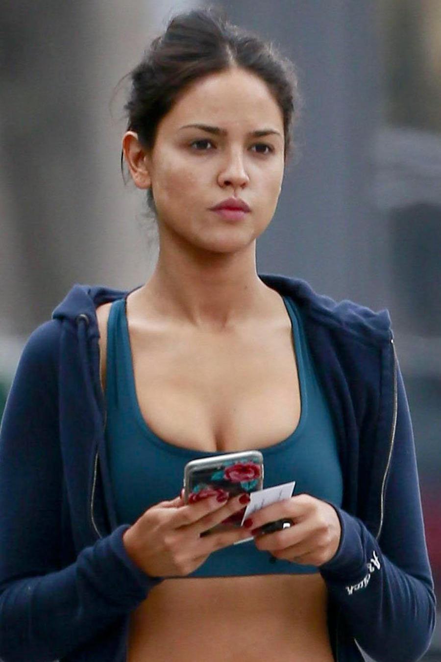 Eiza González en las calles de Los Ángeles