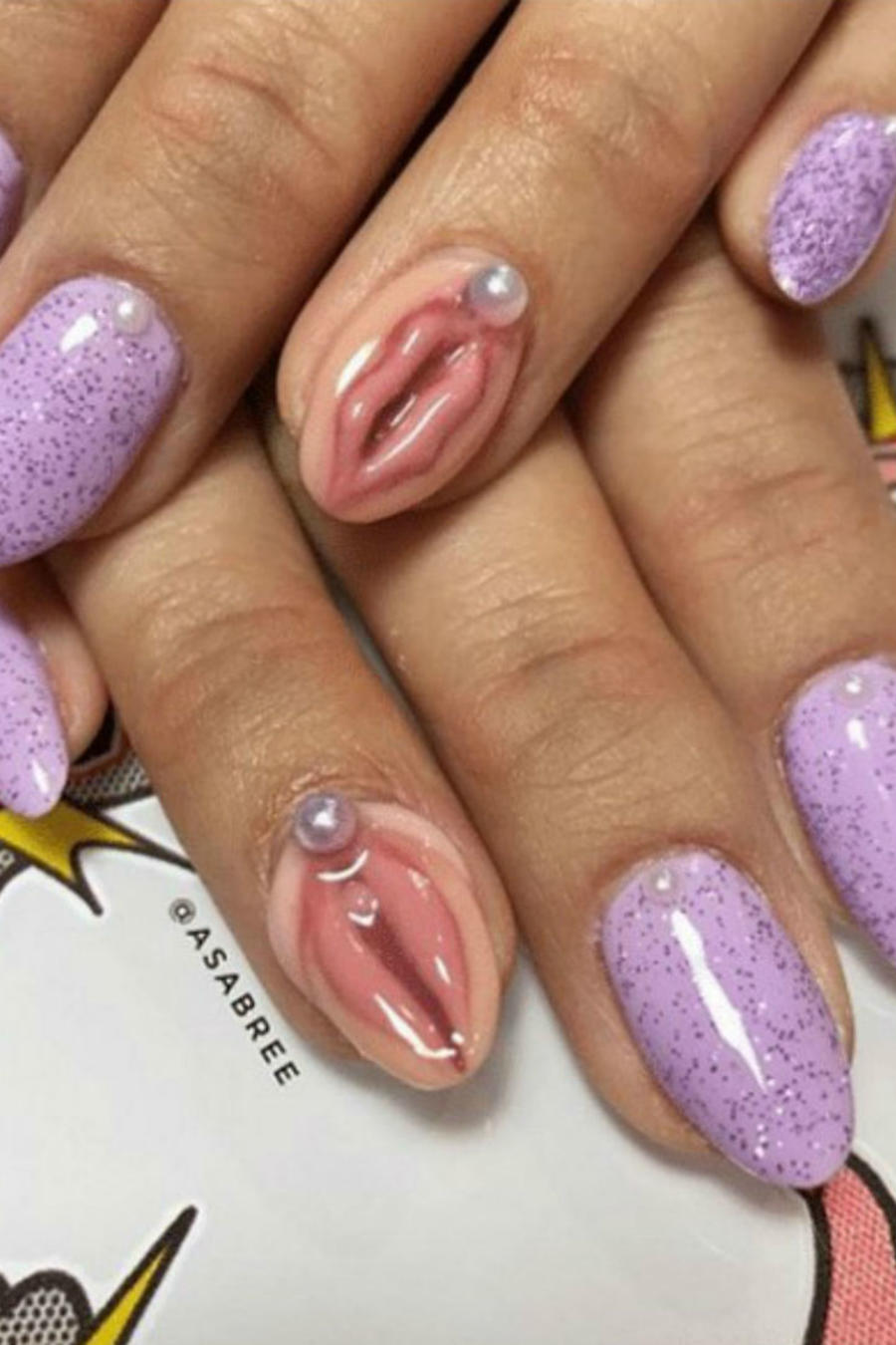 Collage uñas con vagina y uñas peludas