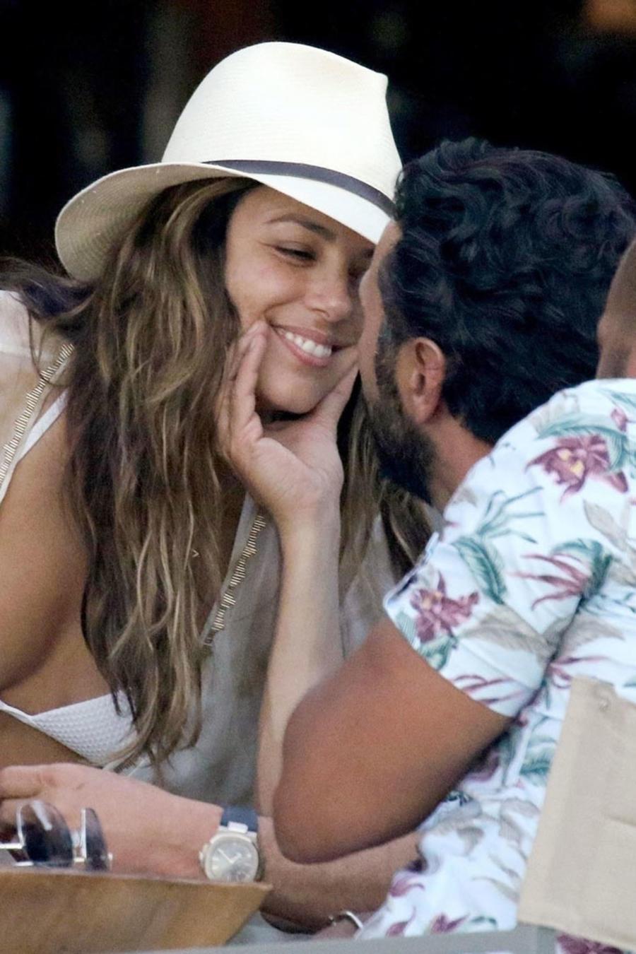 Eva Longoria con su esposo Pepe Bastón en Grecia