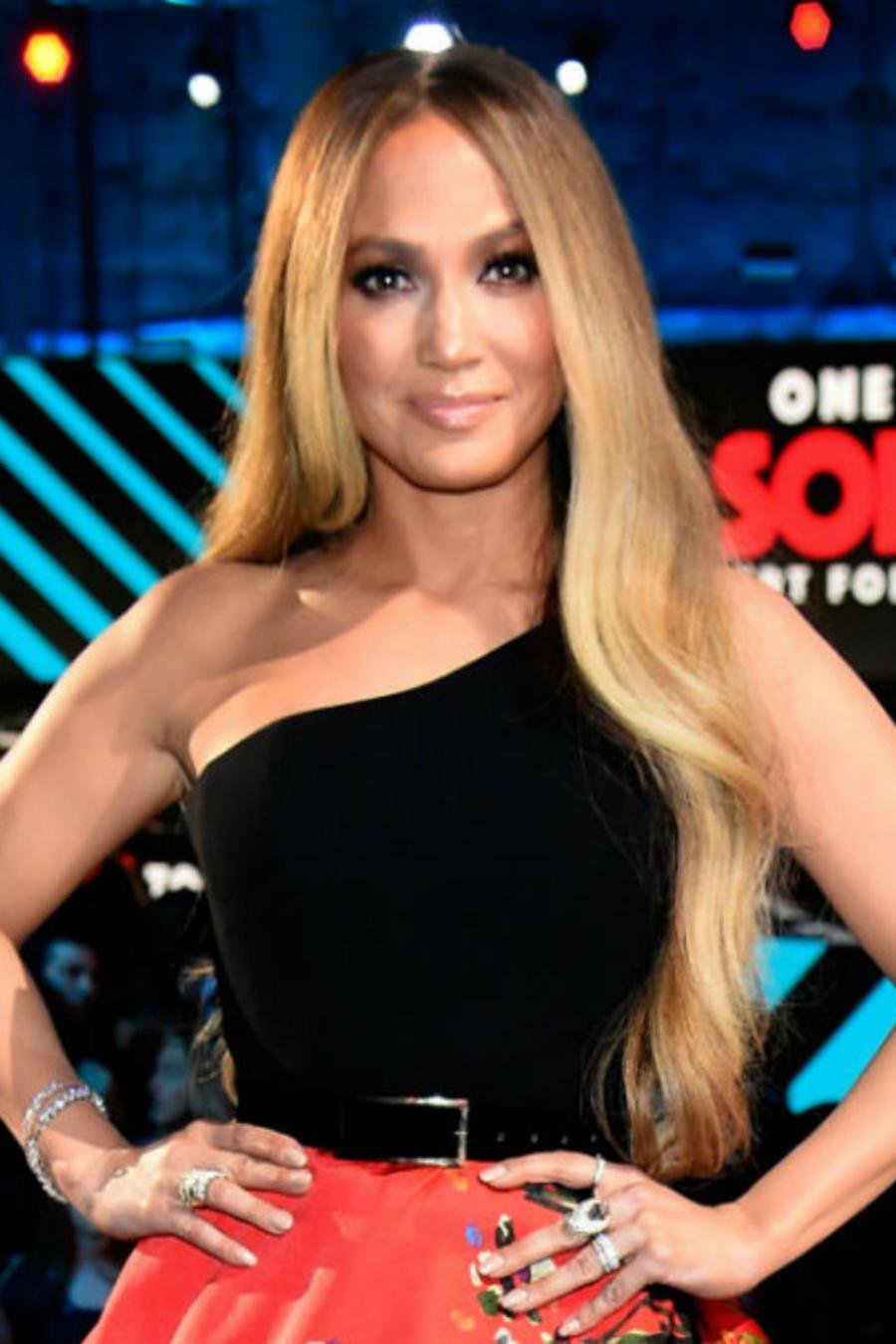 """Jennifer Lopez en el concierto """"Somos Live"""""""