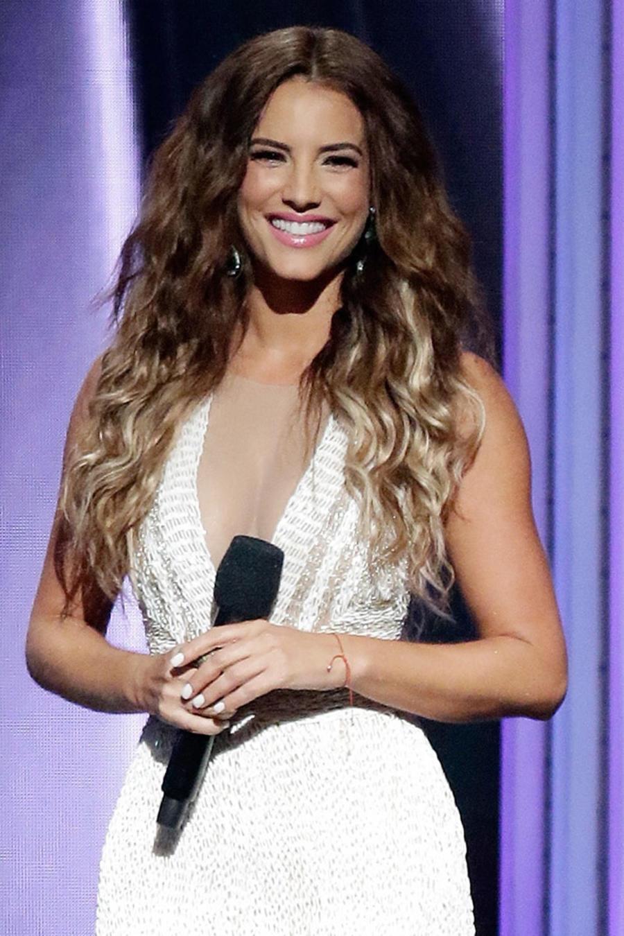 Gaby Espino en el escenario de los Premios Billboard del 2015
