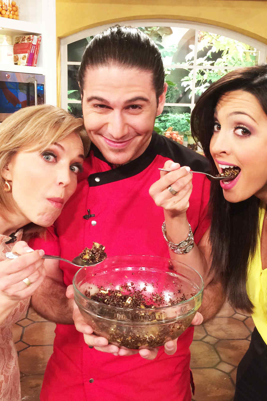Laura Flores junto al Chef James y Erika Csiszer