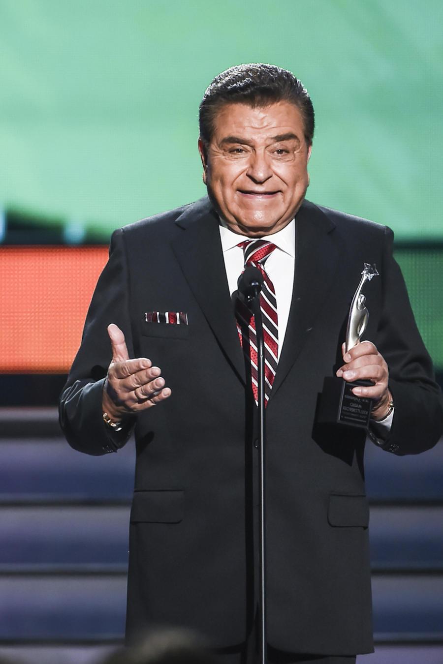 Don Francisco en Premios Tu Mundo 2015
