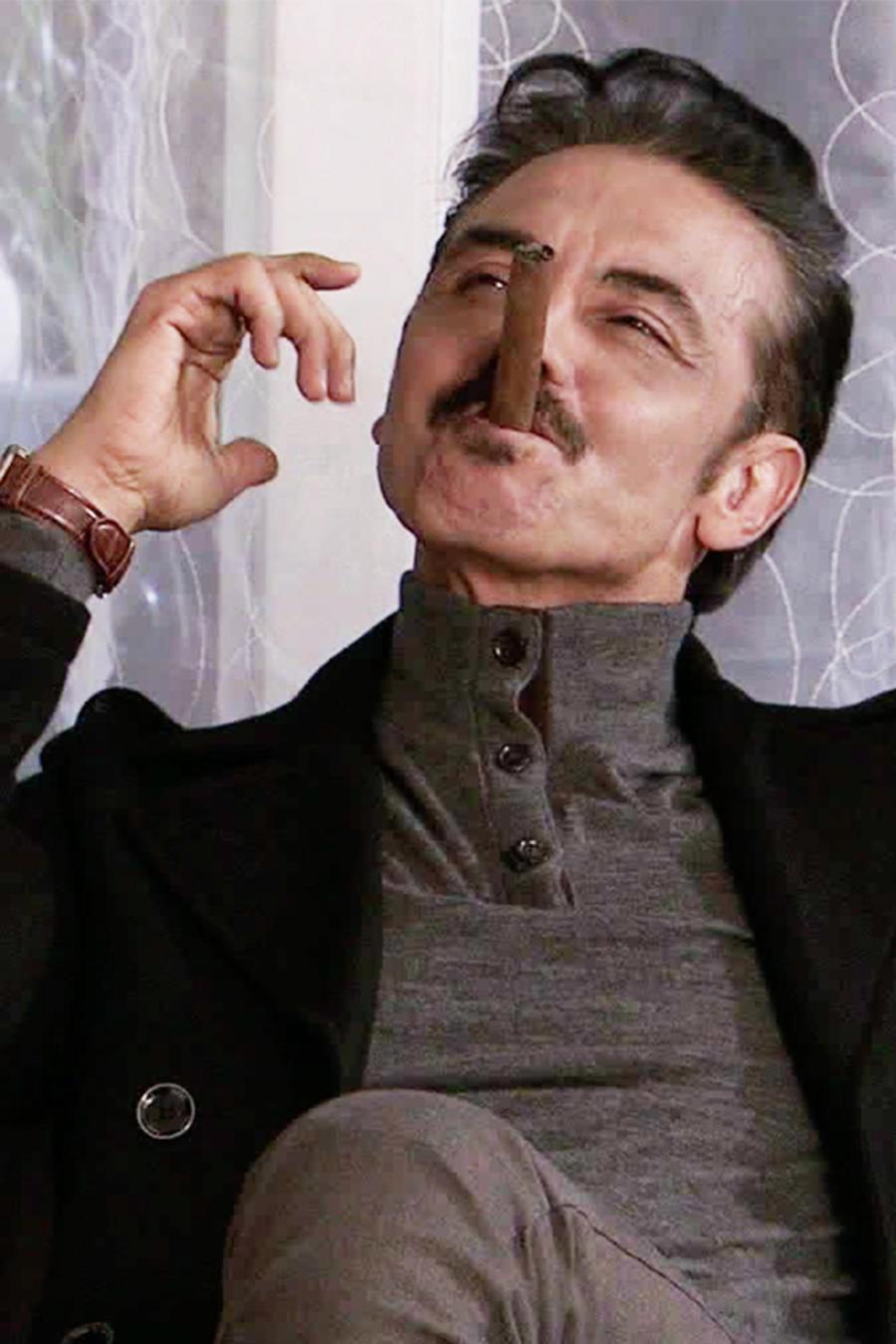 Tomas Goros, Garnica, fumando, El Señor de los Cielos 3