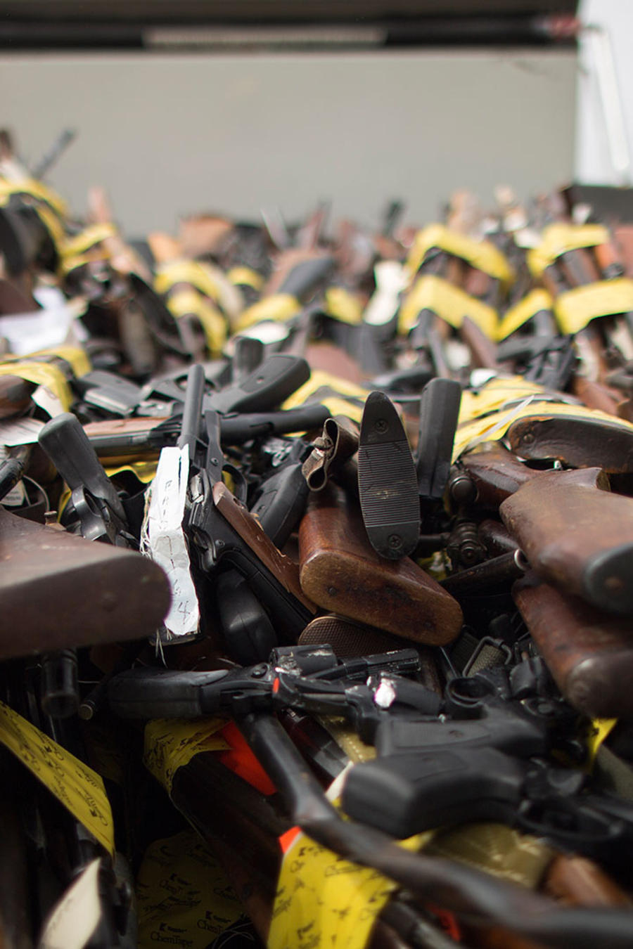 pistolas y escopetas
