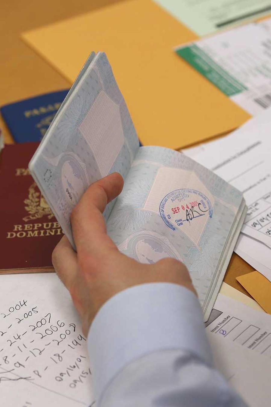 inmigracion revisara documentos