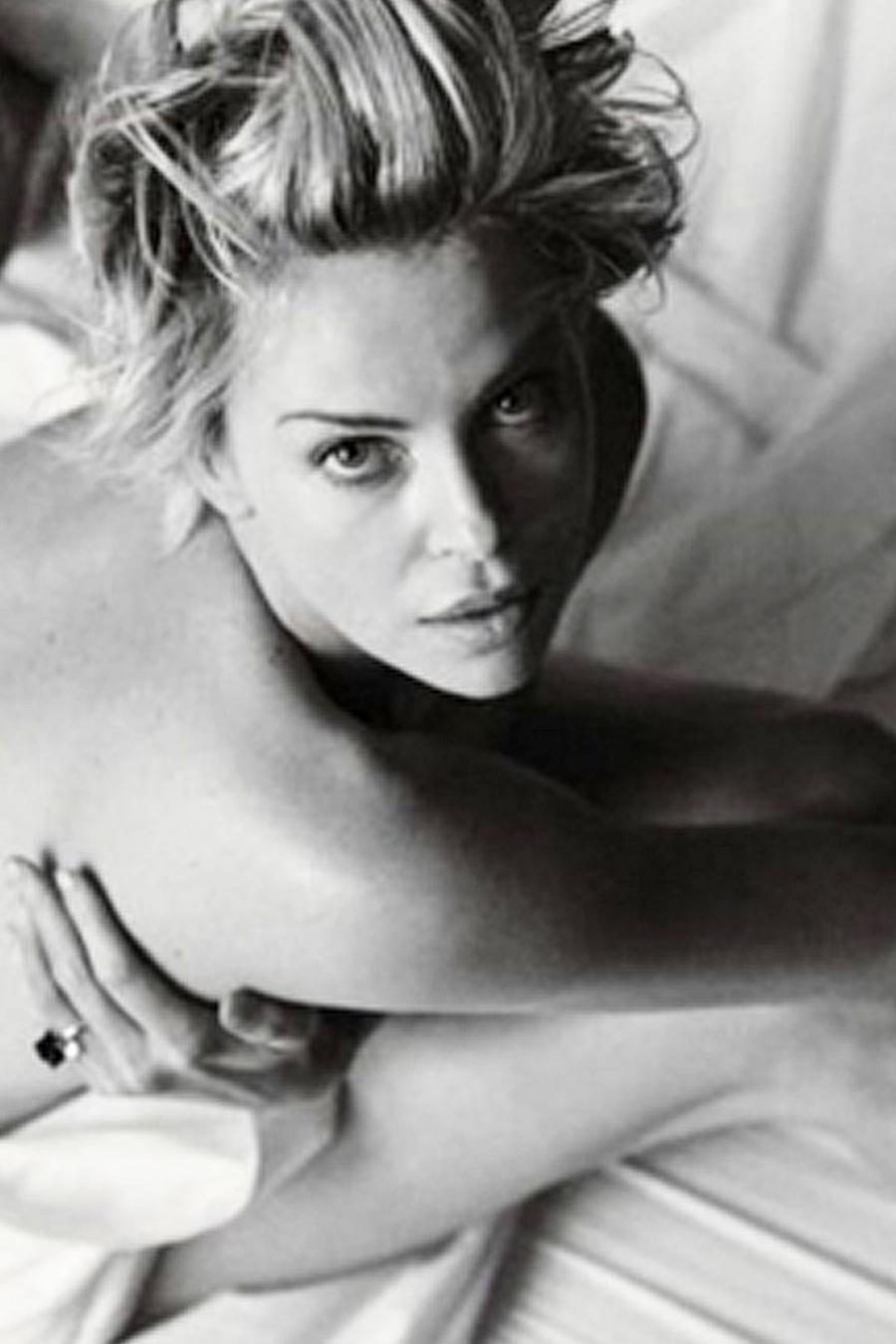 charlize theron desnuda en fotos