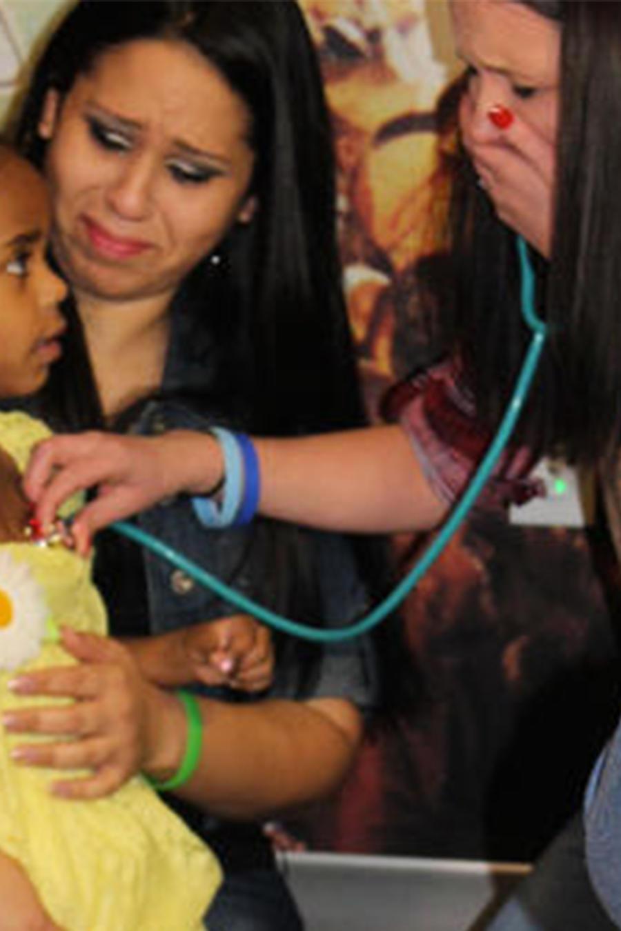 madre y un transplante a una niña