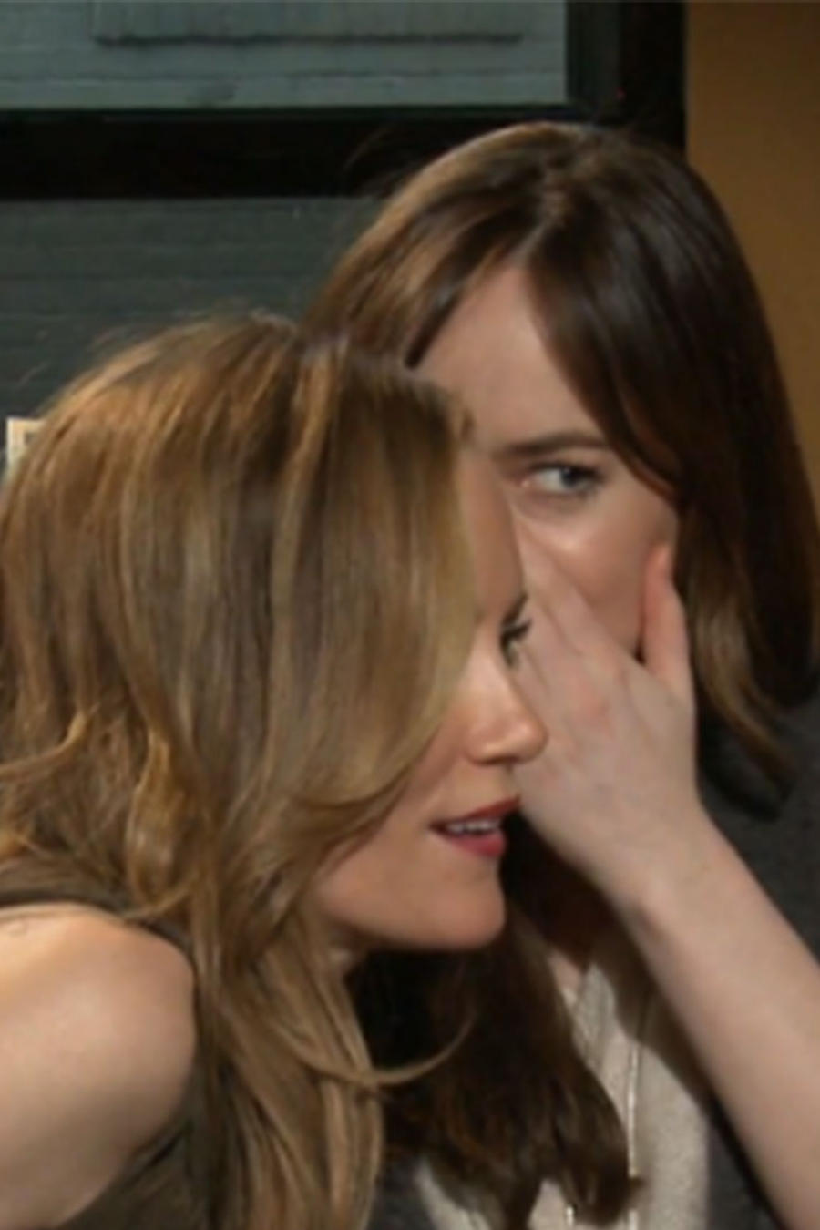 Dakota Johnson y Leslie Mann