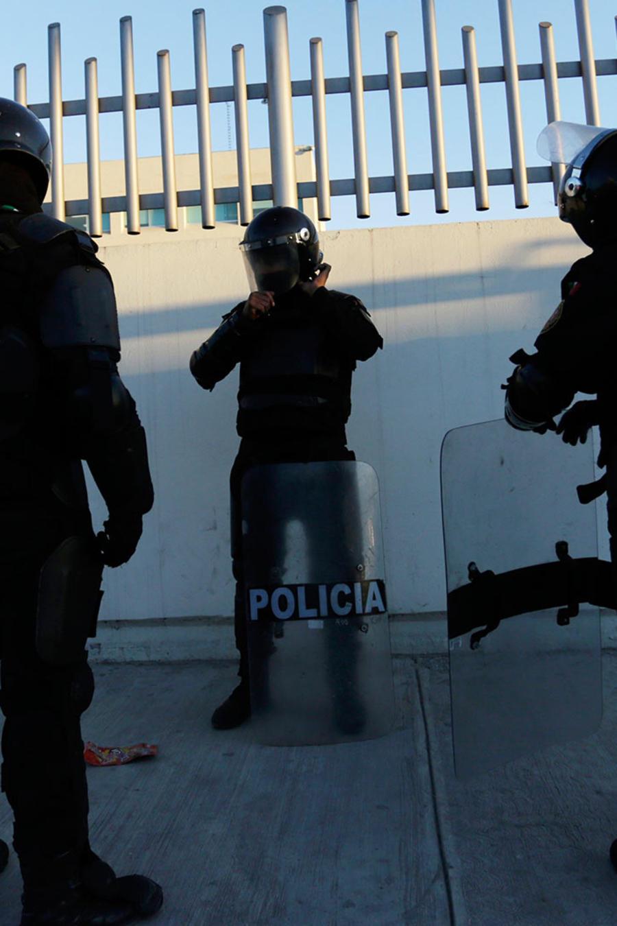 Autoridades toman control en penal