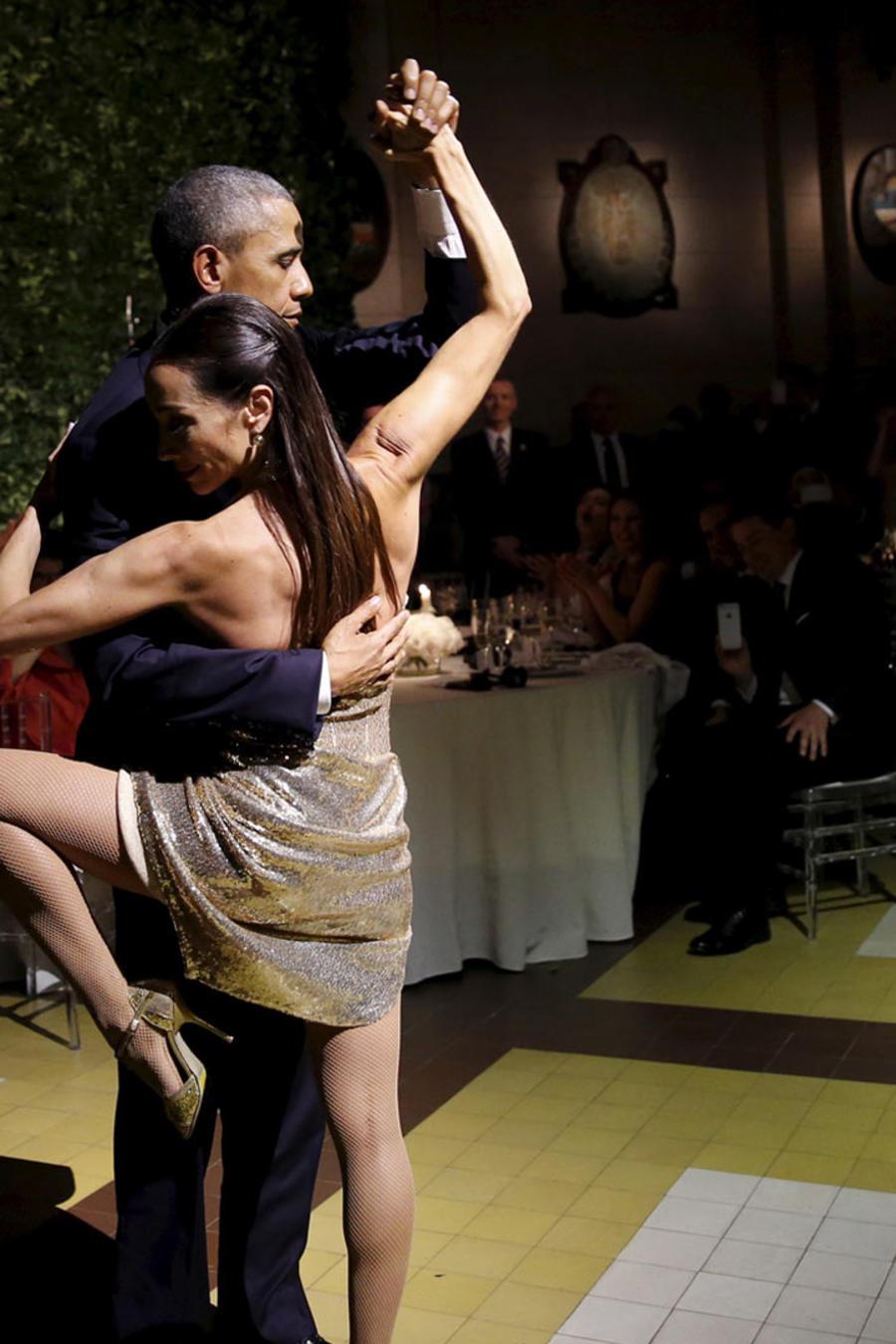 obama bailando tango