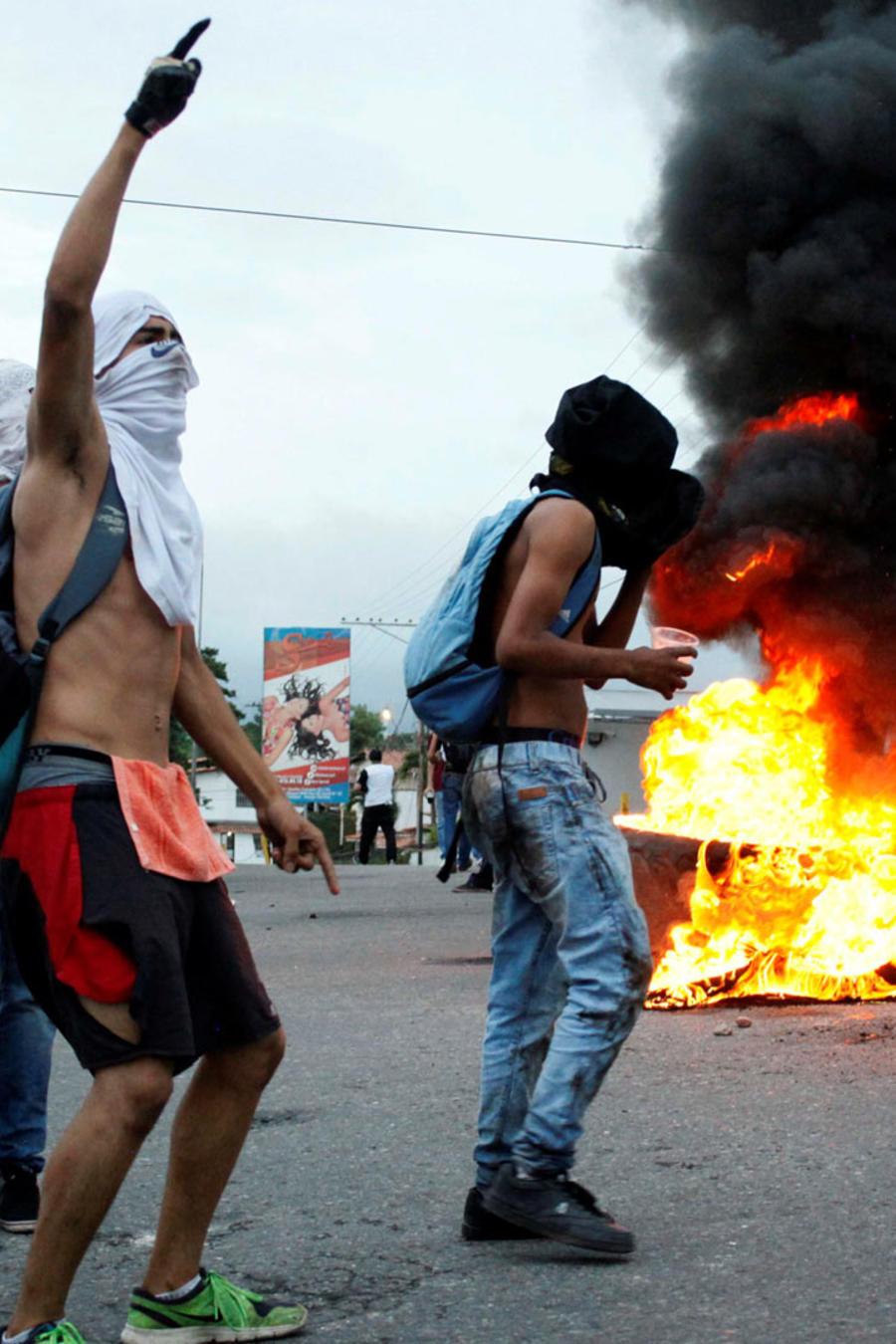 aumenta tension en venezuela