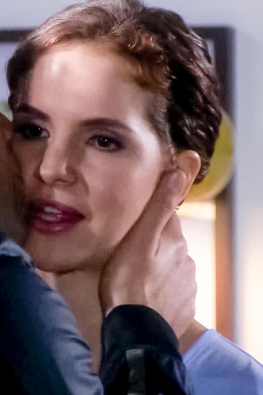 Maritza Bustamante se queda esperando a Pablo en Eva la Trailera