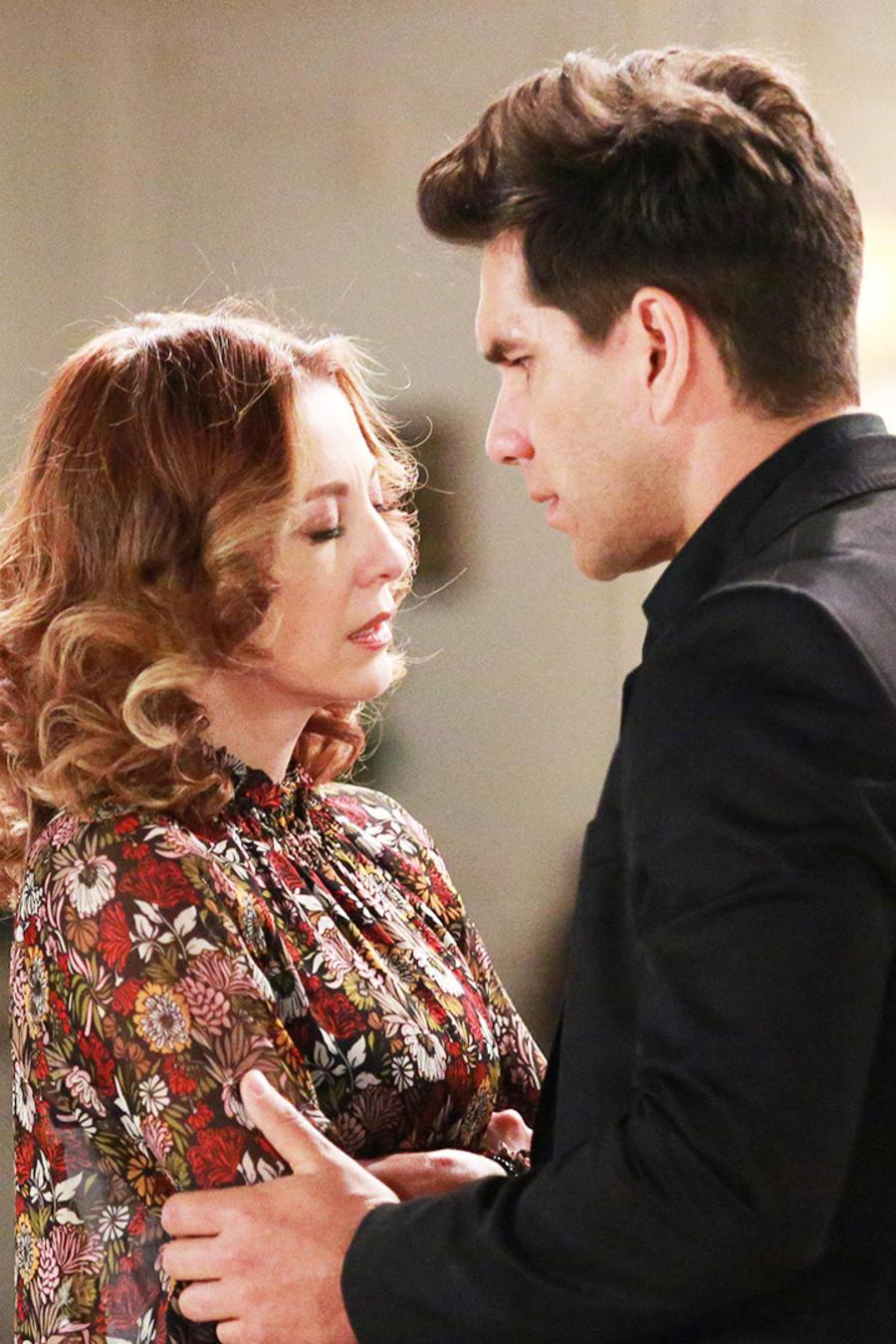 Arap Bethke le advierte a Edith González que corre peligro en Eva La Trailera