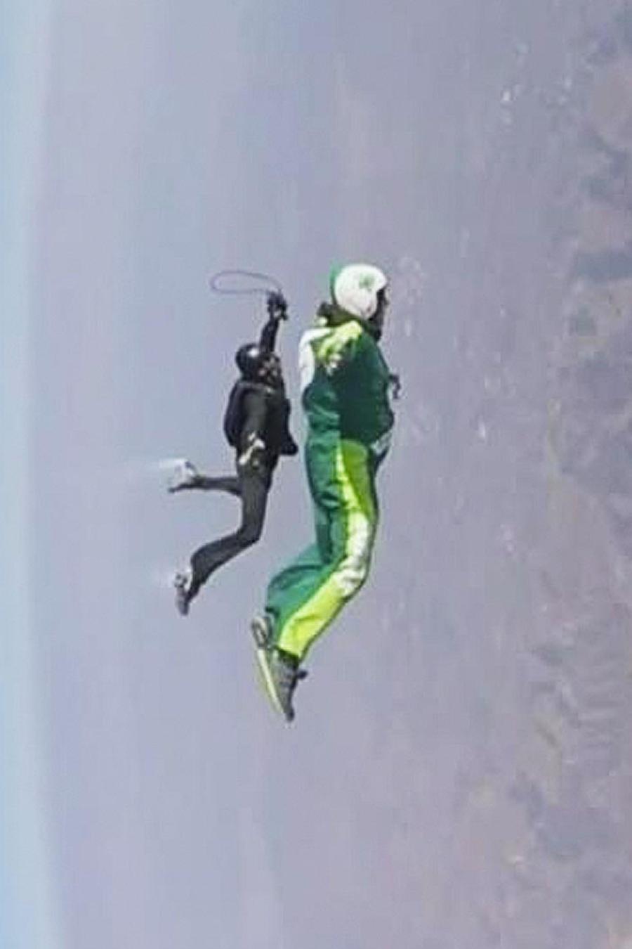 salta de avion sin paracaidas