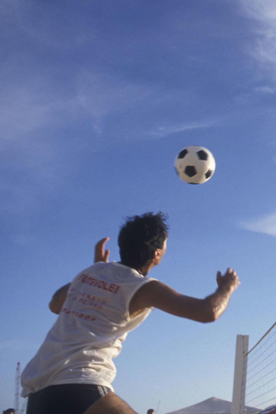 """En Rio 2016 el deporte más popular es el """"FootVolley"""""""