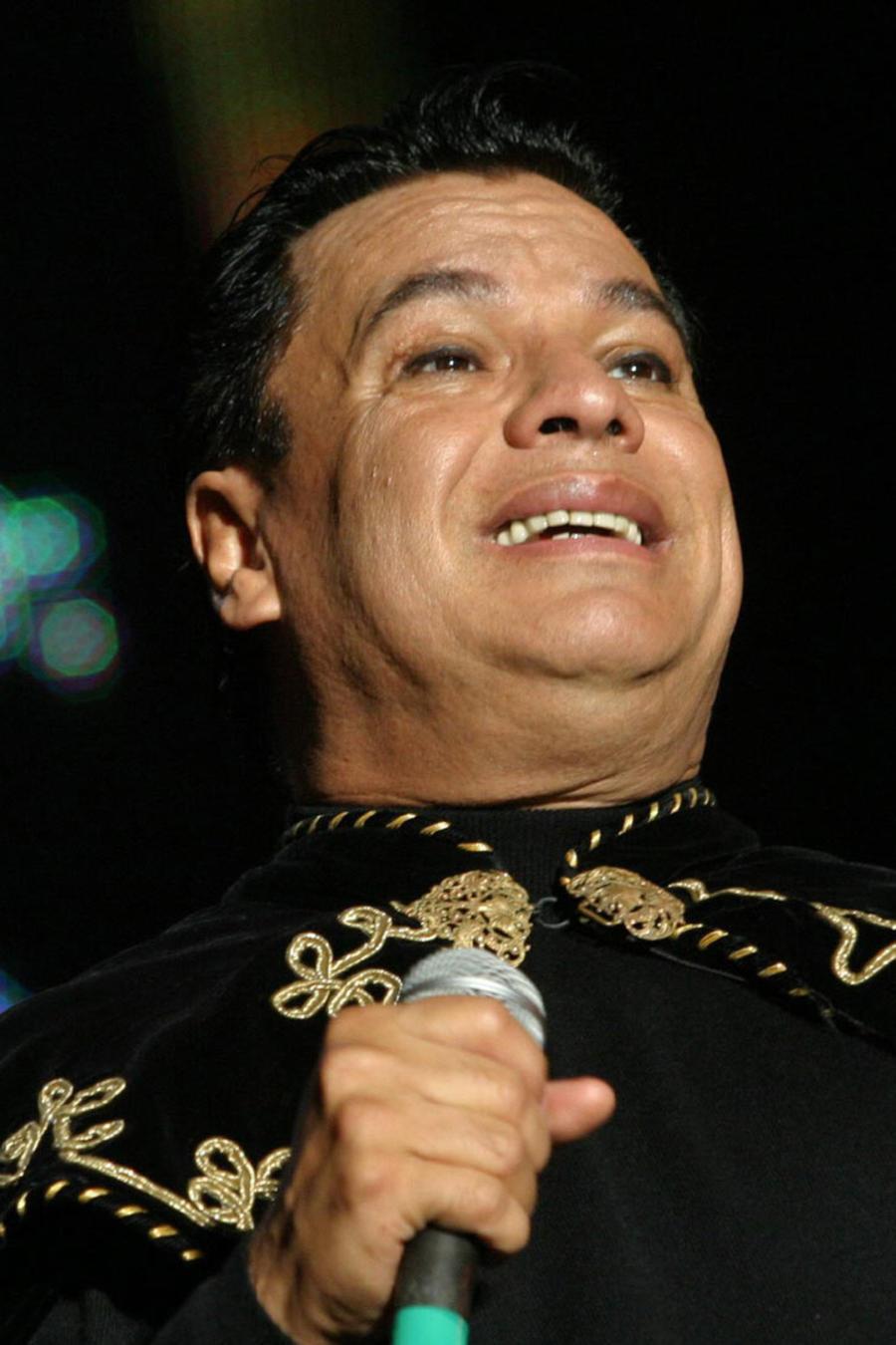 Crece expectativa por destino final de restos de Juan Gabriel