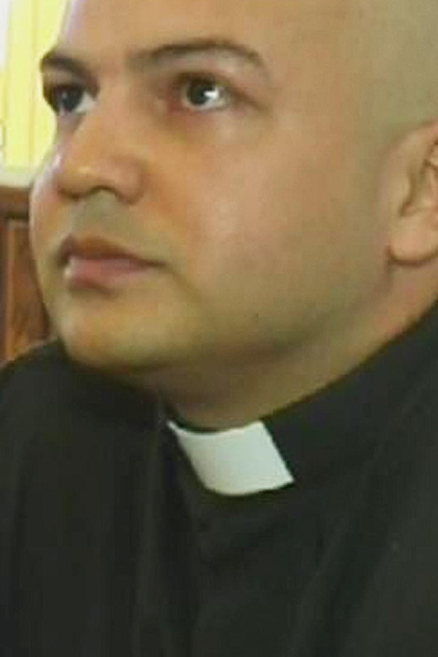 sacerdote en youtube