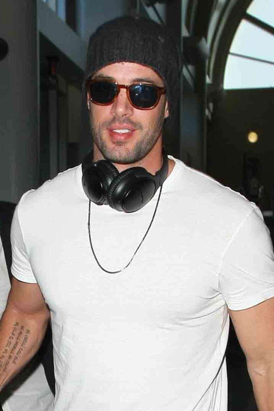 William Levy en el aeropuerto de Los Ángeles