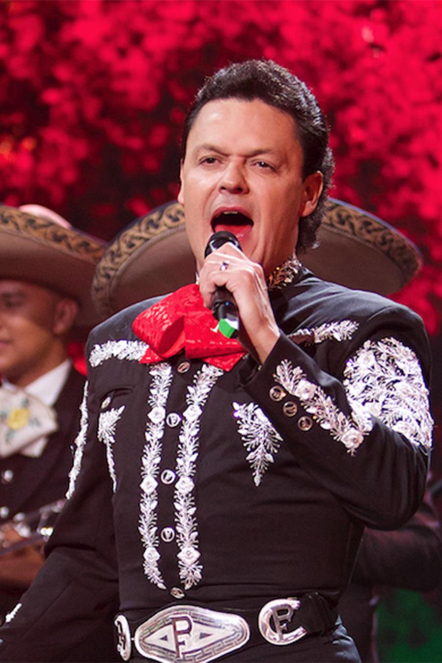Pedro Fernández cantando en Don Francisco Te Invita