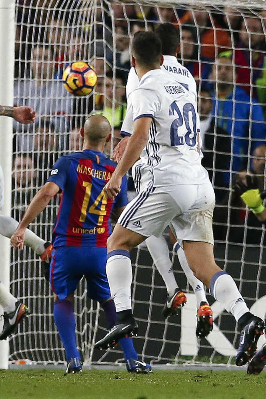 Real Madrid y Barcelona empatan